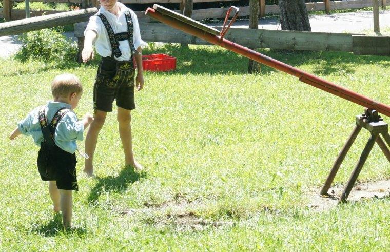 Niños traje regional bávaro