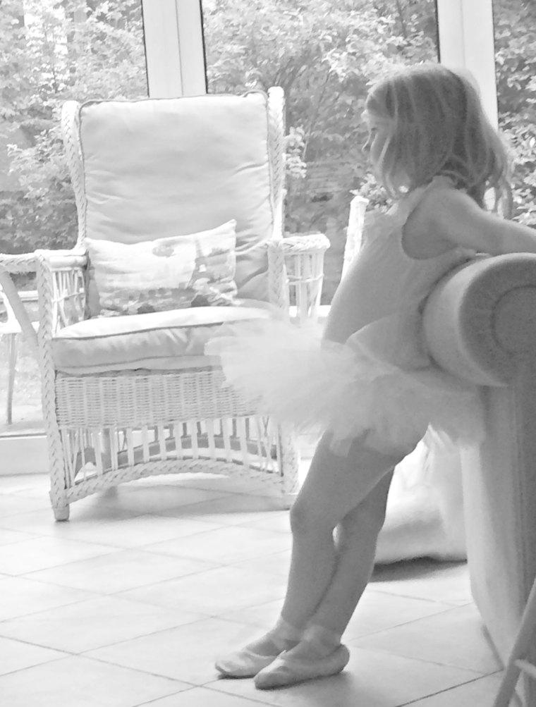 Niña vestida de ballet